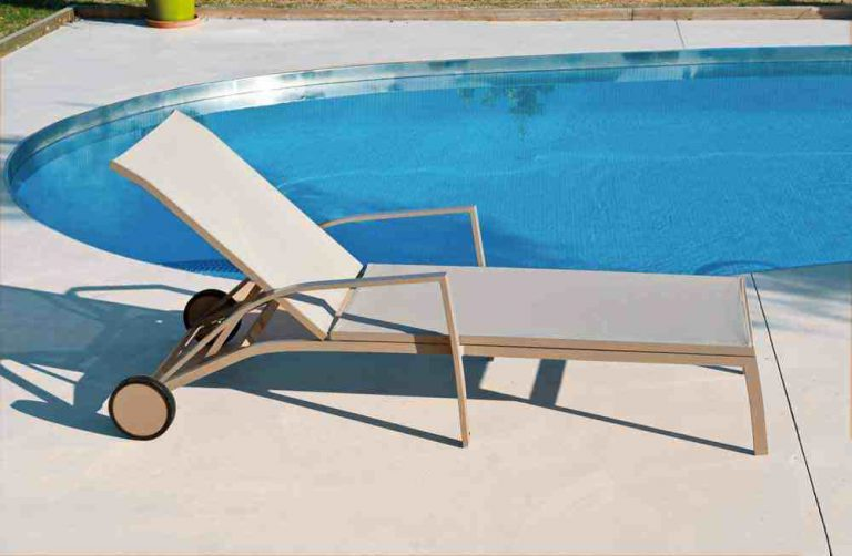 15-chaise longue champagne