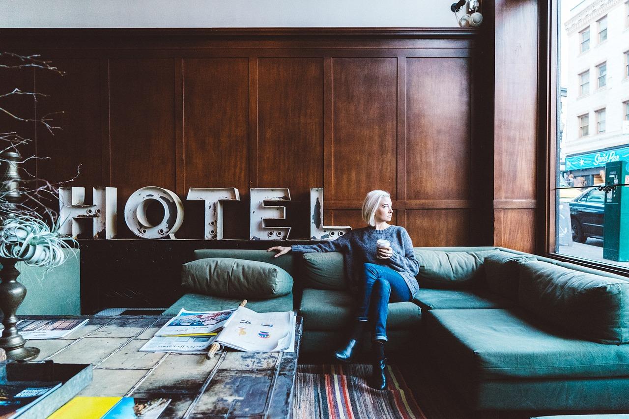 Hôteliers : pourquoi opter pour une décoration d'hôtel sur-mesure ?