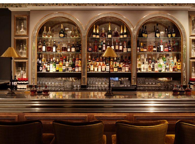 Quelles étapes suivre pour agencer et décorer votre bar ?