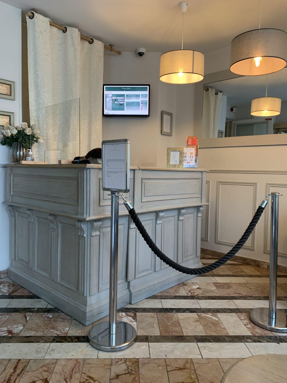 BANQUE ACCUEIL HOTEL